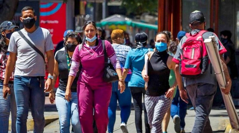 Venezuelans responsibly wearing face mask in public places to fight COVID-19. File photo.
